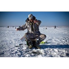 What should be the clothes for winter fishing?